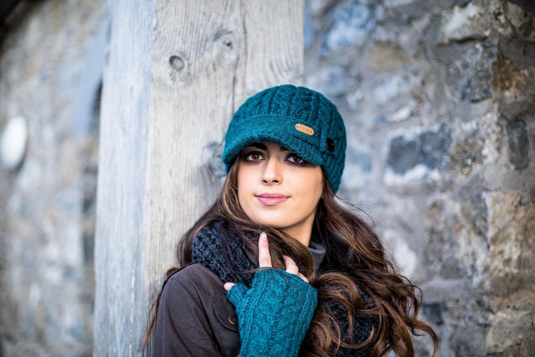 Aran Cable handwarmer and peak hatt